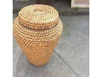 Alibis laundry basket