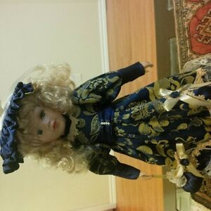 porcelain dolls mint condition Kitchener / Waterloo Kitchener Area image 1