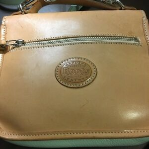 Roots natural leather tan and mint green Crossbody purse  Kitchener / Waterloo Kitchener Area image 4
