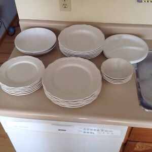 Dishes Buy Or Sell Kitchen Dining In Calgary Kijiji Classifieds