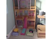 Execellent Condition Dolls House with accessories