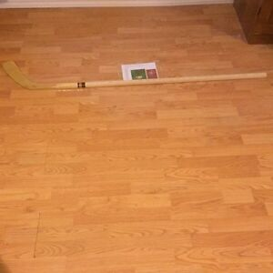 1989-1990 MONTREAL CANADIAN TEAM SIGNED HOCKEY STICK