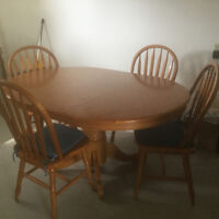 Solid wood table/leaf and 4 chairs