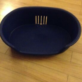 Blue plastic bed for cat or small dog or puppy