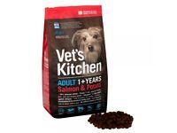 (((BANKRUPT STOCK))) Vets Kitchen Premium Dog Food