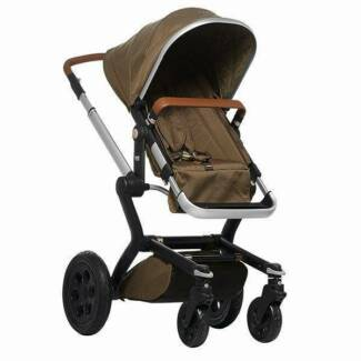BRAND NEW Joolz Day Forest Green Pram - RRP $1849 ** FREE FREIGHT