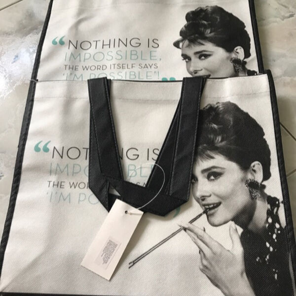 """BNIB Designer Bag """"Nothing is Impossible,I'm Possible""""  selling only Sgd 8 !"""