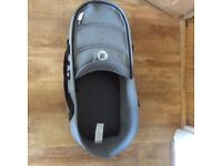 Bugaboo Bee3 carrycot and sun canopy