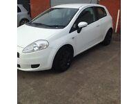 Punto 1.3 petrol white. MOTD. Alloys £900