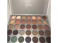 Jaydn Hill eyeshadow palette