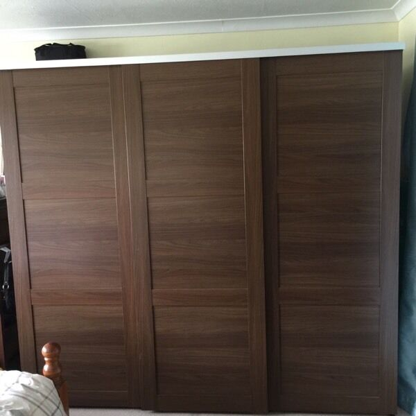 ikea elga 3 door wardrobe in egham surrey gumtree. Black Bedroom Furniture Sets. Home Design Ideas