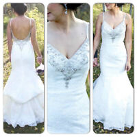 GORGEOUS 2013 IVORY WEDDING GOWN