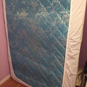 Double spring mattress (can deliver!!!)
