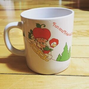 Vintage 1980s Strawberry Shortcake Holiday Mug!