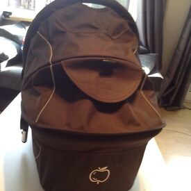 I candy apple carrycot