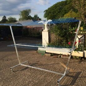 Galvanised mobile clothes line