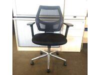 Black Mesh Back Office Chair, Armrests, Adjustable