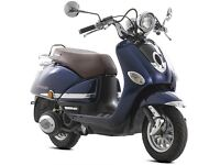 Lexmoto Verona 125cc Legal Learner Scooter - 2 Years Parts Warranty!