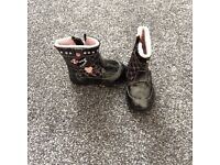 Girls boots size 41
