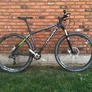 Devinci Wooky S 29er / Aluminum XC Cross Country Mountain Bike