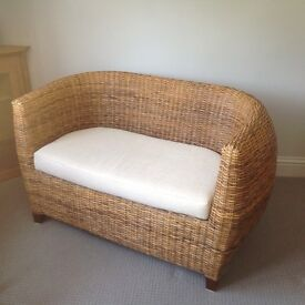 QUALITY INDOOR 2 SEATER WICKER BENCH
