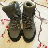 Hiking boots - size 8.5