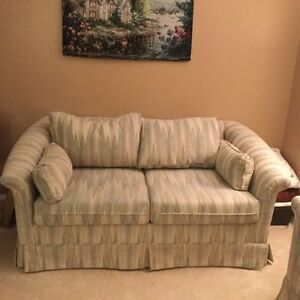Loveseat Buy and Sell Furniture in Ottawa