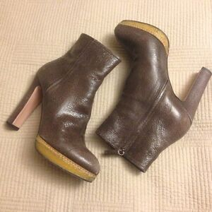 PRADA LEATHER ANKLE BOOTS SIZE 10 (EUR 40)