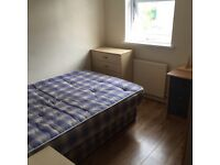 Large Room (Island Gardens Canary Wharf Greenwich Isle of Dogs Docklands)