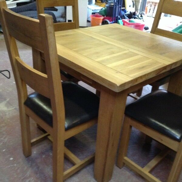 Vancouver Solid Light Oak Extending Dining Table 4 Chairs