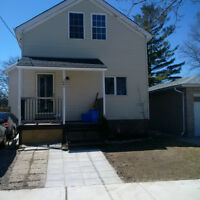 Group of 4 House part furnished  close to College/University.