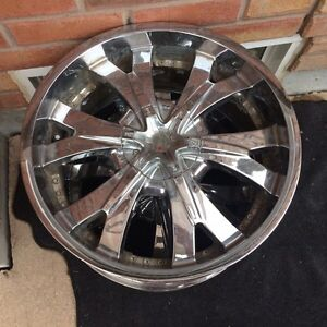 "4 20"" Chrome rims"
