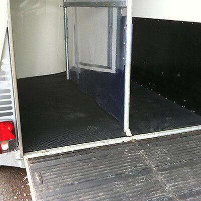 Pferdeanhänger Bodenbelag 1,65m x 1,22m   Stärke: 8mm   Hammerschlagmatte Gummi