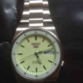 MENS SEIKO 5 AUTOMATIC WATCH with 21 JEWELS