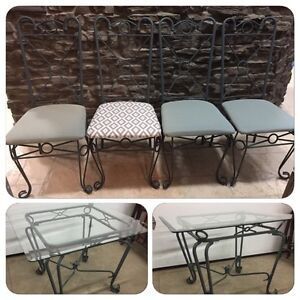 Cute glass table & four chairs