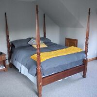 Solid wood 4 Poster Bed Frame Queen