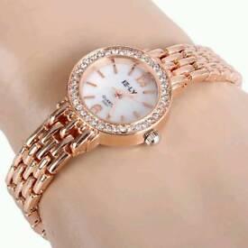 New Ladies Quartz Chain Watch