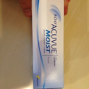 1 Day Acuvue Moist Contacts