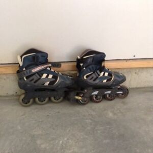 Roller Blades Size 7 c/w knee & elbow pads