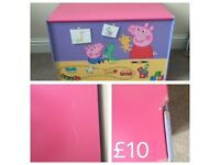 Peppa pig toy box and fuzzy felts