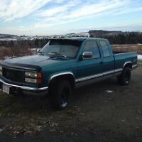 Looking to trade a 1994 GM 6.5 turbo and a 1986 Ford crown Vic