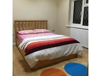 Double/ single room for rent in feltham for male working professional
