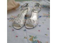 Ivory Faith shoes, size 5