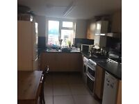 NICE DOUBLE ROOM ! AVAILABLE NOW!£555PCM!ALL INCLUSIVE!SHARED HOME!E10 5RL! VERY RESPECTABLE HOME !!