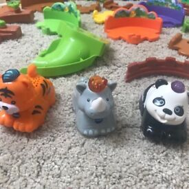 V tech Toot Toot animals playset with talking tiger rhino and panda