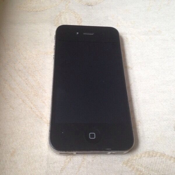 APPLE IPHONE 4 16GB GOOD CONDITIONin Bolton, ManchesterGumtree - Apple iPhone 4 16gb in black. On ee, tmobile, virgin and orange. In good condition, comes with charger, fully working