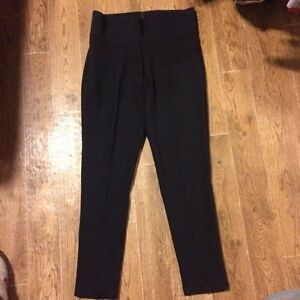 Woman's leggings (very stretchy and comfy)