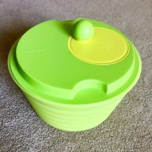 Tupperware salad spinner - barely used