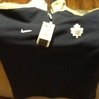 Leafs  sweater new with tags