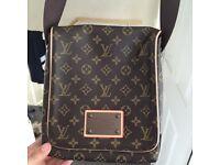Men's Louis Vuitton shoulder bag
